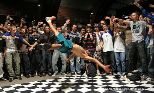 Bboy Guinho, seu estilo é powermove